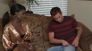 Ebony babe does the deepthroat on a big cock in the bathtub