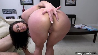Miami Loves Kendra Lust's Big Tits And Ass