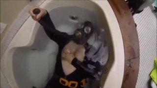Underwater in Gas Mask
