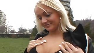 Giving hardcore oral in public delights hottie